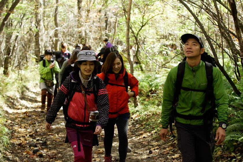 浅間山の麓や北軽井沢を中心に行うネイチャーツアーには、都会からの参加者も多数