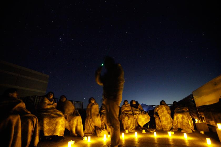 冬は、満天の星空のもとに集う「星空キャンプ」も人気