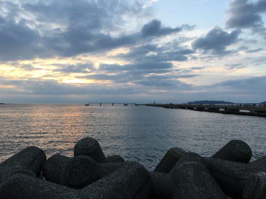 館山の海は、静かに暮れていきます。