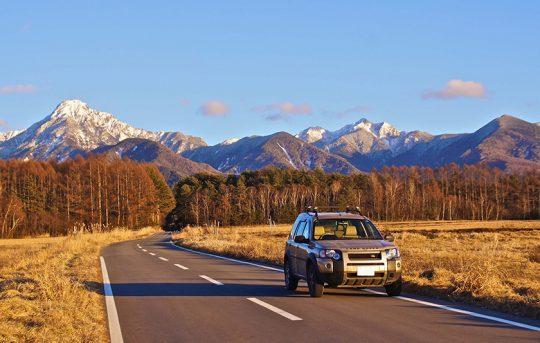 ランドローバー・フリーランダー。雄大な八ヶ岳の景色にも負けない存在感はお気に入りだった。