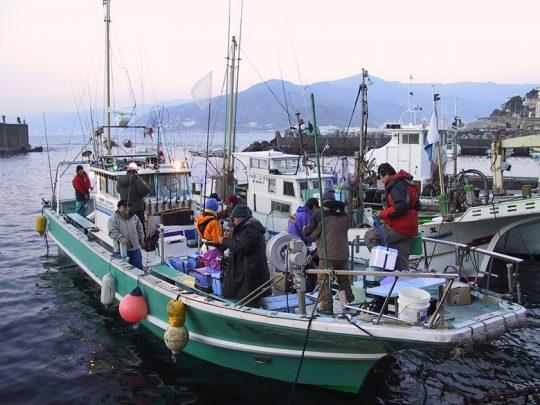 湯河原の福浦漁港の遊漁船