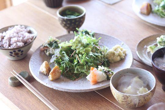 今帰仁村にあるカフェ「こくう」も大好きになったお店の一つ。地産の野菜がおいしい。
