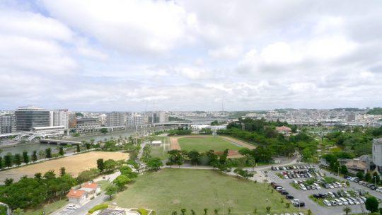 南東側の運動公園