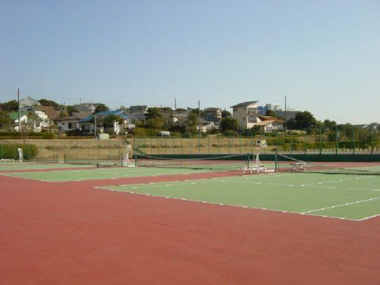 リゾートタウン内テニスコート