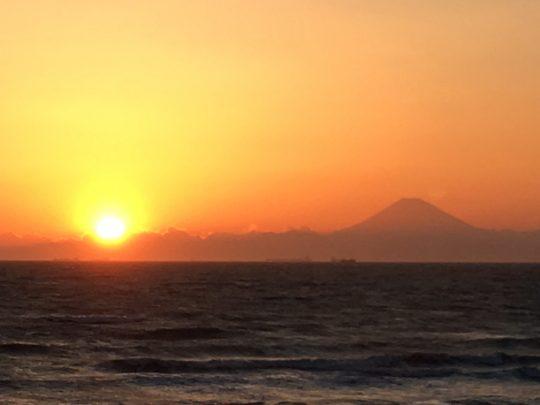 サンセットと富士山