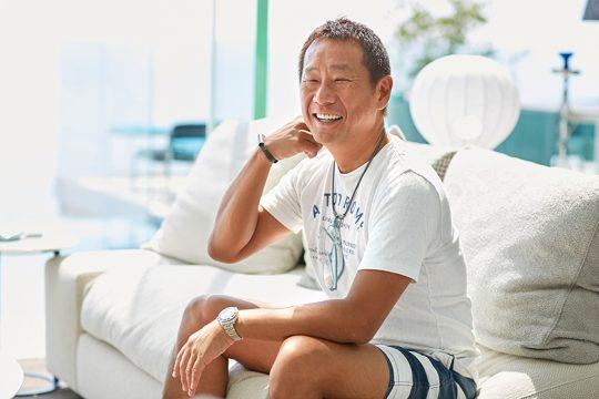 おもてなしの心に溢れる島田さん。たくさんのご友人がこのお宅を訪れるというのも頷ける、気さくなお人柄。