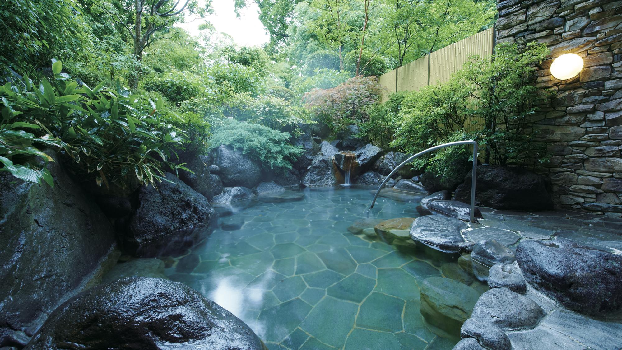 (写真は、東急ハーヴェストクラブ箱根明神平。平日にふと思い立って箱根の温泉を愉しむ、なんて素敵ですね)