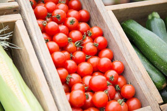 季節ごとの県産の野菜はたのしみのひとつ。トマトもおいしい