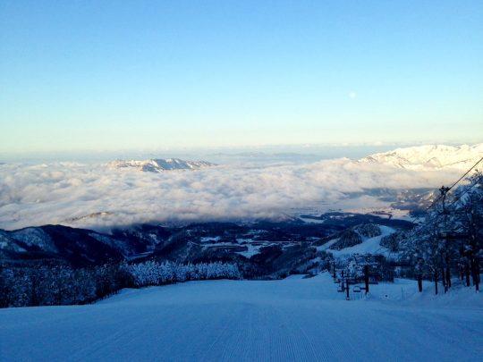 東急ハーヴェストクラブスキージャム勝山山頂から見た雲海
