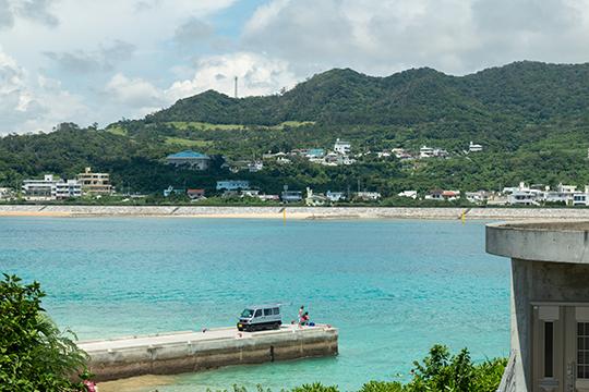 瀬底島にはまだ素朴な風景が残る