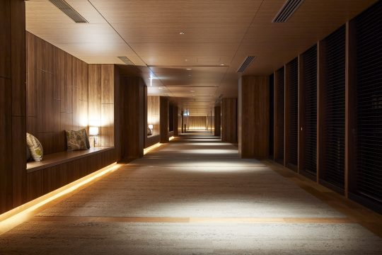 廊下(コリドー)にもちょっと一休みできるようなスペースが