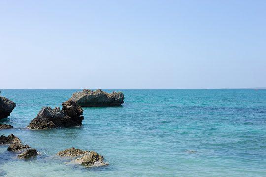 浜比嘉島周辺は美しい海に囲まれる