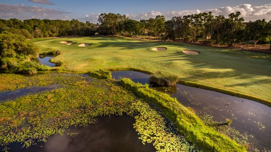 写真提供:Links Hope Island Golf Course