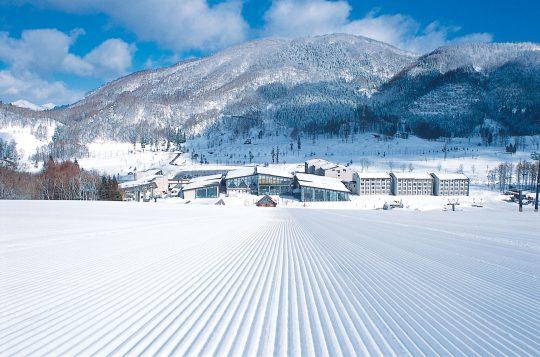 冬のタングラムスキーサーカスは白銀の世界に