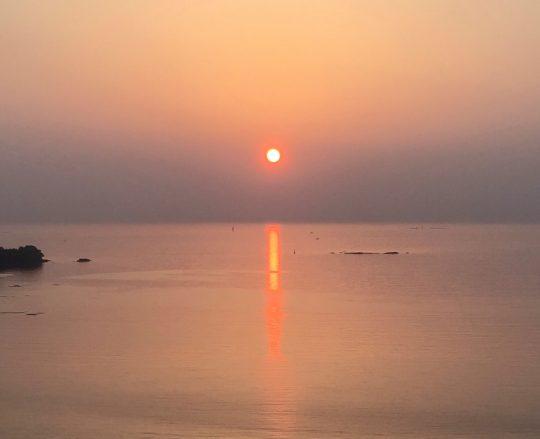 南紀田辺の太平洋に沈む夕日