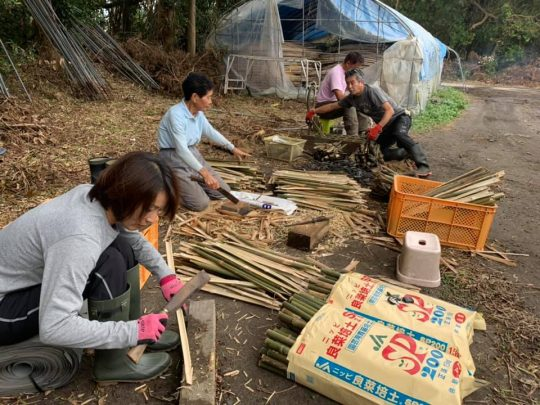 午後からは、川崎の「トカイナカビレッジ」からもお二人ボランティアが来てくださって、にわか大家族の風情に。