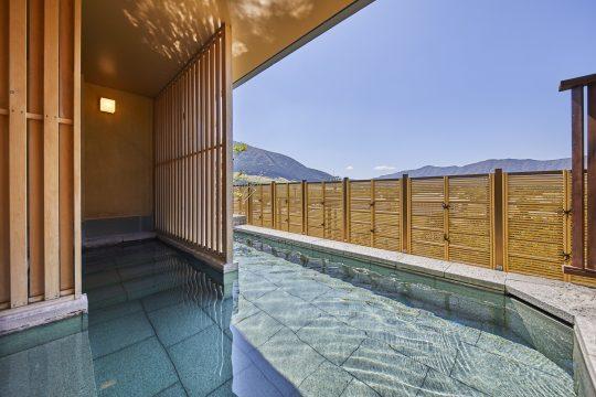 箱根甲子園の最上階で愉しむ露天風呂付温泉大浴場