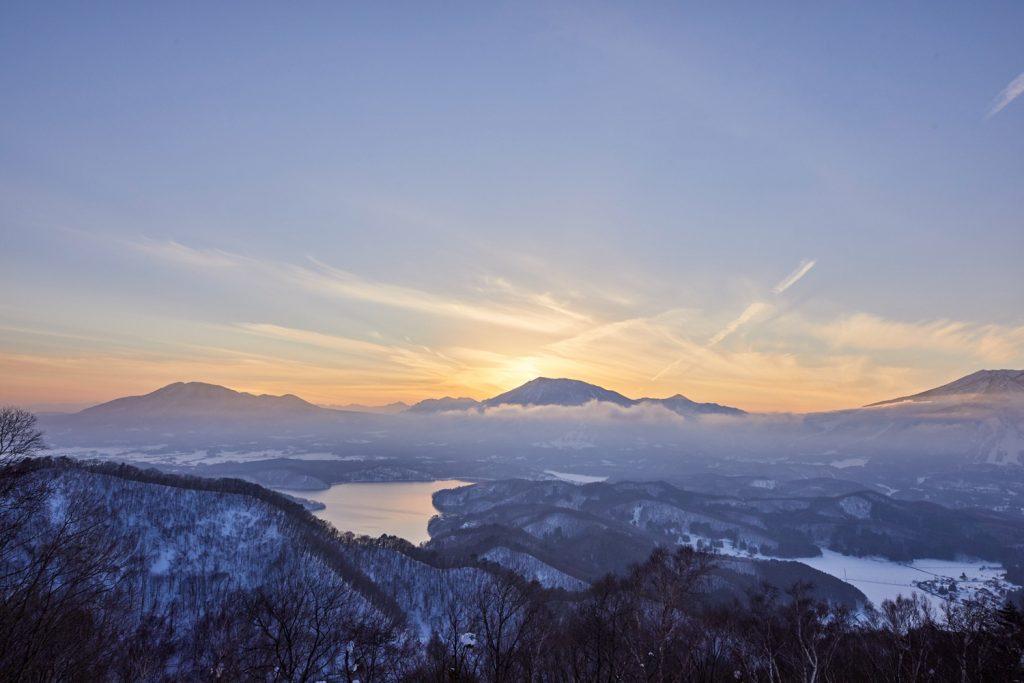 夜明けの野尻湖